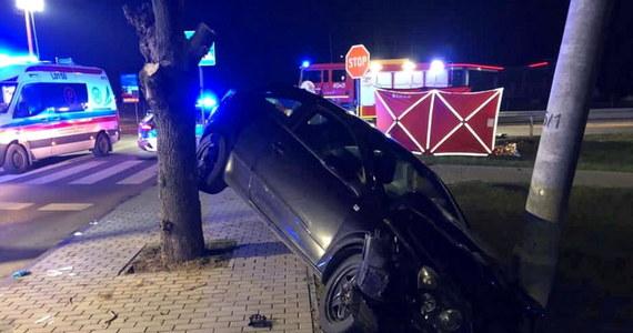 W miejscowości Kock doszło do zderzenia samochodów osobowych. Zginęła jedna osoba.