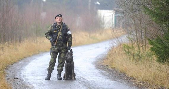 Rosyjskie służby specjalne odpowiadają za wybuch w magazynie amunicji w czeskich Vrběticach - poinformował w sobotę premier Andrej Babiš na niespodziewanej konferencji prasowej. W związku z tym Czechy zdecydowały o wydaleniu 18 rosyjskich dyplomatów.