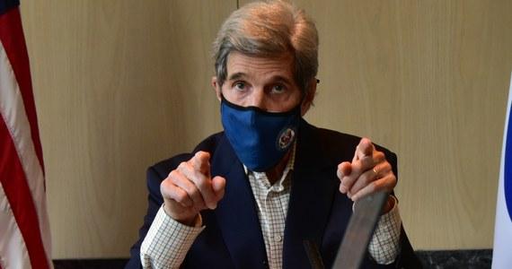Chiny i USA zgadzają się, że potrzebne są energiczniejsze działania w walce ze zmianami klimatu i zapowiadają współpracę w tej dziedzinie - głosi opublikowany w niedzielę wspólny komunikat po rozmowach w Szanghaju specjalnego wysłannika USA Johna Kerry'ego ze swym chińskim odpowiednikiem Xie Zhenhua.
