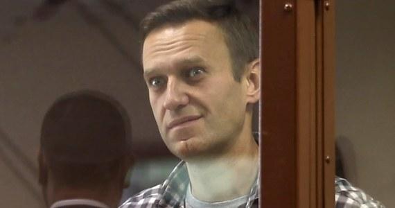 Aleksiej umiera, w jego stanie to kwestia dni - napisała na Facebooku rzeczniczka Aleksieja Nawalnego. Rosyjski opozycjonista przebywa w kolonii karnej w Pokrowie. Od 31 marca prowadzi strajk głodowy.