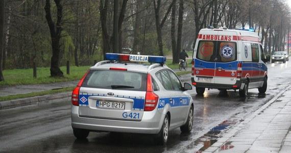 Jedna osoba zginęła w wypadku na drodze krajowej nr 65 na odcinku Mońki-Grajewo. Przed południem zderzyło się tam kilka aut.