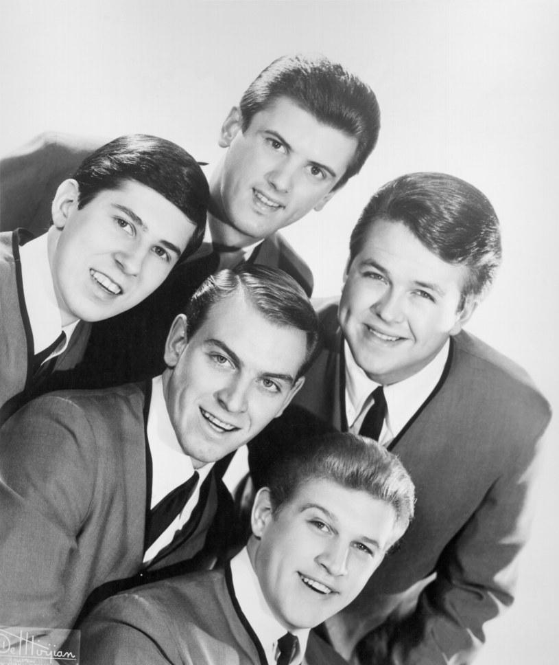 Założyciel rockowej grupy The Kingsmen – Mike Mitchell – zmarł 16 kwietnia wieku 77 lat.