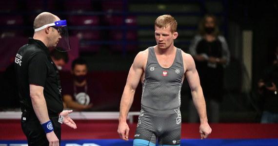 Krzysztof Bieńkowski zdobył w Warszawie srebrny medal mistrzostw Europy w zapasach w stylu wolnym. W finale kat. do 65 kg przegrał z Rosjaninem Zagirem Szakijewem, który położył go na łopatki.