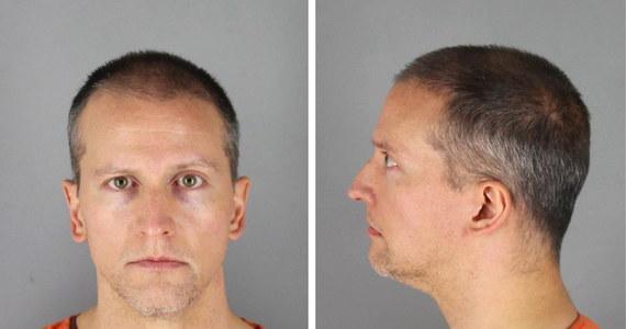 Ława przysięgłych w Minneapolis uznała byłego policjanta Dereka Chauvina za winnego w procesie o zabójstwo Afroamerykanina George'a Floyda. Przysięgli osiągnęli porozumienie po około 10 godzinach obrad w ciągu dwóch dni.