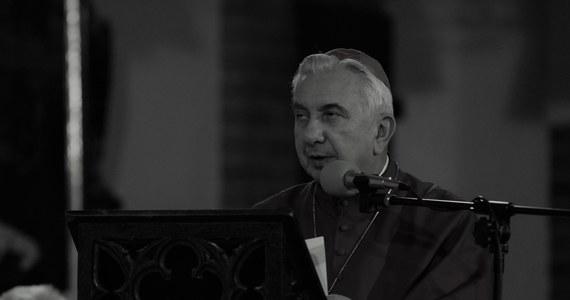 W wieku 79 lat zmarł arcybiskup senior Archidiecezji Warmińskiej Wojciech Ziemba - poinformował PAP rzecznik prasowy kurii Marcin Sawicki. Bp Ziemba był pierwszym biskupem diecezji ełckiej, pracował także jako metropolita białostocki.