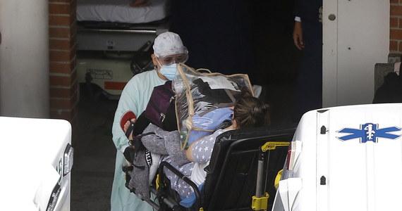 Mamy12 762 nowych przypadków zakażenia koronawirusem - poinformowało Ministerstwo Zdrowia. Zmarło 694 osób, które chorowały na Covid-19. Resort podał też, że wyzdrowiało w ciągu ostatniej doby 15 406 pacjentów.