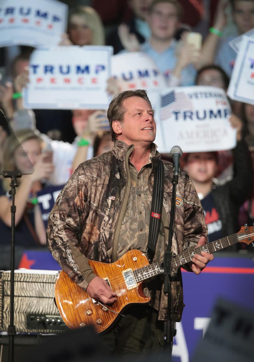 Ted Nugent – kontrowersyjny rockman – przyznał, że zakaził się koronawirusem. Muzyk infekcji nie przeszedł łagodnie, co opisał w mediach społecznościowych.