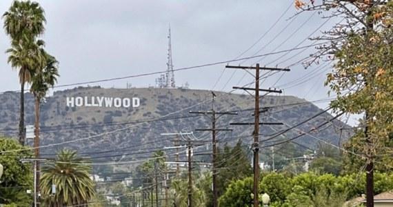 Główna część Oscarów na Union Station w Los Angeles - wielki węzeł przesiadkowy, skąd odjeżdżają i przyjeżdżają pociągi, autobusy i metro stanie się miejscem najważniejszej filmowej imprezy. Już w nocy z niedzieli na poniedziałek odbędzie się ceremonia wręczenia Oscarów. Ze względu na pandemię nie odbywa się ona w tym roku jak zazwyczaj - pod koniec lutego lub na początku marca - a dopiero w kwietniu. Wprowadzono szereg zmian, bo - ze względu na obostrzenia - nie ma możliwości zgromadzić wszystkich nominowanych i zaproszonych gości tradycyjnie w Teatrze Dolby w Hollywood. W tym roku wszystko rozegra się w czterech lokalizacjach. W Los Angeles, Hollywood, Paryżu oraz Londynie. W Mieście Aniołów przygotowaniom przygląda się nasz amerykański korespondent Paweł Żuchowski.