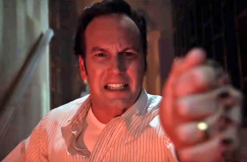 """Warner Bros. zaprezentował pierwszy zwiastun horroru """"Obecność 3: Na rozkaz diabła"""". To będzie już siódmy film najbardziej kasowej serii horrorów w historii kina."""
