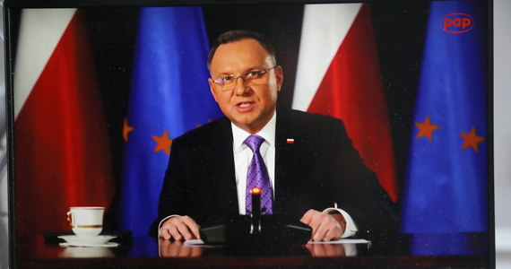 W Polsce w ciągu dwóch dekad zamierzamy zbudować zeroemisyjny system energetyczny; udział węgla zmniejszy się z 70 do nawet 11 proc. w 2040 r. - zadeklarował prezydent Andrzej Duda na szczycie klimatycznym. Zaznaczył, że nowy miks energetyczny będzie oparty o energię jądrową, odnawialną i gaz.