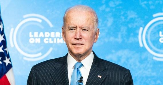 Prezydent USA Joe Biden wezwał w piątek kraje do współpracy w przejściu na czystą energię. Piątek to drugi i ostatni dzień organizowanego przez niego szczytu klimatycznego, który ma na celu pobudzenie światowych ambicji ograniczenia globalnego ocieplenia.