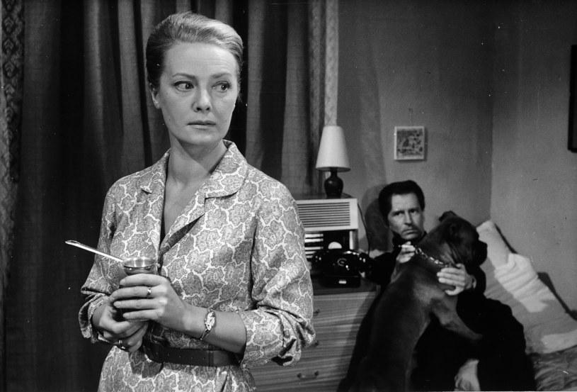 """Nie żyje aktorka Aleksandra Karzyńska. W słuchowisku Teatru Polskiego Radia """"Matysiakowie"""" przez 37 lat udzielała głosu postaci Danki Grzelakowej. Miała 94 lata."""