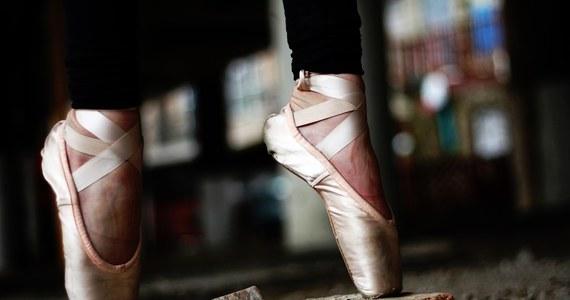 Po oskarżeniach o rasizm i nieprzedłużeniu kontraktu, baletnica Chloé Lopes Gomes i Berliński Balet Państwowy zawarli ugodę przed okręgowym Sądem Arbitrażowym w Berlinie. Lopes skarżyła się na rasistowskie uwagi ze strony osoby prowadzącej szkolenie.