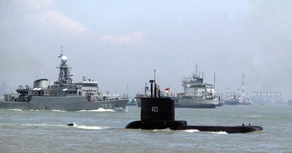 Trwają gorączkowe poszukiwania zaginionego okrętu podwodnego indonezyjskiej marynarki wojennej z 53 ludźmi na pokładzie. Jak donosi jednak Reuters, nadzieje na uratowanie załogi są nikłe: dzisiaj nad ranem czasu lokalnego w jednostce prawdopodobnie zabrakło tlenu. Akcja poszukiwawczo-ratunkowa prowadzona jest na północ od indonezyjskiej wyspy Bali.