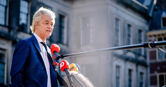 """Posłowie izby niższej parlamentu Holandii odbyli wideokonferencję z osobą, która podszywała się pod Leonida Wołkowa, szefa sztabu rosyjskiego opozycjonisty Aleksieja Nawalnego - podaje w sobotę wydaniu dziennik """"De Volkskrant"""". Sam Wołkow twierdzi, że była to prowokacja, za którą stoją """"kremlowskie trolle"""". Oszukani zostali też politycy z Wielkiej Brytanii i Łotwy."""