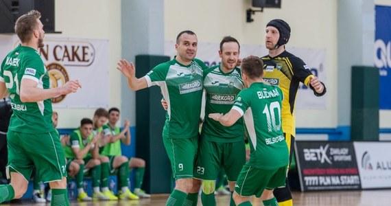 Na cztery kolejki przed końcem rozgrywek futsalowej ekstraklasy Rekord Bielsko-Biała sięgnął po mistrzowski tytuł. Zapewniło go bielszczanom zwycięstwo nad Clearexem Chorzów 8:1. To dla Rekordu piąty z rzędu i szósty w historii tytuł mistrza Polski.