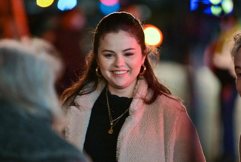 Selena Gomez zaskoczyła swoich fanów spektakularną przemianą. Zdecydowała się na radykalną zmianę fryzury.