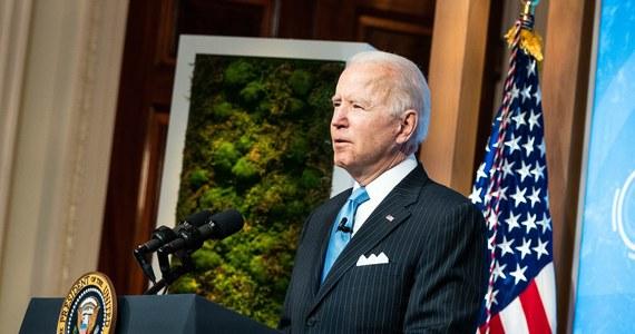 """Prezydent USA Joe Biden uznał rzeź Ormian za ludobójstwo w wydanym w sobotę oświadczeniu z okazji dnia upamiętnienia tej zbrodni. Na komunikat szybko i stanowczo zareagowała Turcja. """"Nikt nie może nas uczyć na temat naszej historii"""" – stwierdził szef tureckiego MSZ-u, Mevlut Cavusoglu."""