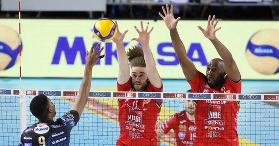 Zespół Sir Safety Conad Perugia został wicemistrzem Włoch, ulegając w finałowej rywalizacji play off Cucine Lube Civitanova 1-3. W ostatnim meczu, przegranym 1:3, w ekipie srebrnych medalistów wystąpili obaj siatkarze reprezentacji Polski - Wilfredo Leon i Maciej Muzaj.