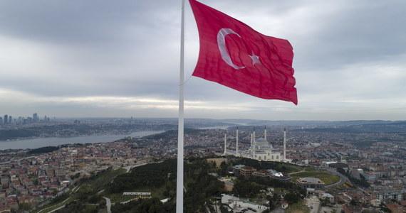 Ministerstwo Spraw Zagranicznych Turcji wezwało ambasadora USA, aby zaprotestować przeciwko uznaniu przez prezydenta Joe Bidena masakry Ormian w Imperium Osmańskim, w czasie I wojny światowej, za ludobójstwo - przekazała agencja Anatolia.