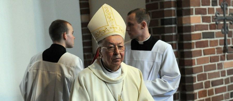 W wieku 88 lat zmarł Jan Gałecki, biskup senior archidiecezji szczecińsko-kamieńskiej. Informację o śmierci hierarchy przekazała Konferencja Episkopatu Polski.