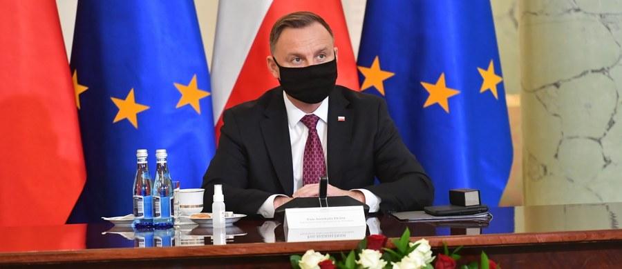 3 Maja w Warszawie odbędzie się debata prezydentów Polski, Litwy, Łotwy, Estonii i Ukrainy - poinformował prezydencki minister Wojciech Kolarski. Planowane jest też polsko-litewskie zgromadzenie posłów i senatorów, na którym głos zabiorą prezydenci obu państw.