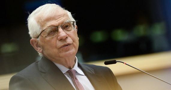 Nasze stosunki z Rosją cały czas się pogarszają - oświadczył w środę w Parlamencie Europejskim wysoki przedstawiciel Unii ds. zagranicznych Josep Borrell. Dodał, że tendencja ta prawdopodobnie będzie kontynuowana.