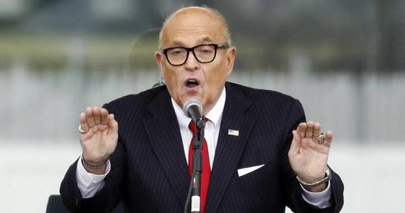 """Agenci FBI przeszukali mieszkanie Rudy'ego Giulianiego, byłego prawnika byłego prezydenta USA Donalda Trumpa. Chodzi o śledztwo w sprawie ingerowania przez obce służby w amerykańską politykę - podaje """"New York Times""""."""