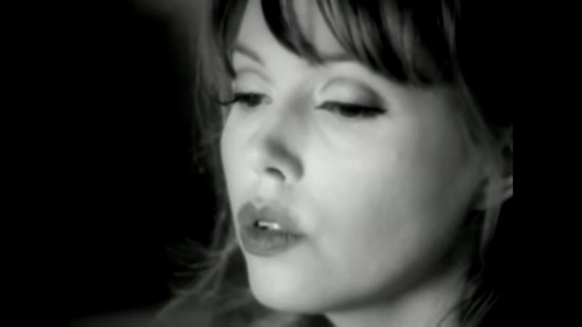 Anita Lane, która wraz z Nickiem Cave'em współtworzyła piosenki dla The Bad Seeds i The Birthday Party, zmarła w wieku 61 lat.