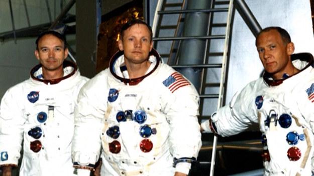 Nie żyje amerykański astronauta Michael Collins, uczestnik misji kosmicznej Apollo 11, pierwszej załogowej wyprawy na Księżyc. Miał 90 lat.  20 lipca 1969 roku Neil Armstrong i Buzz Aldrin, jako pierwsi ludzie w historii, stanęli na Księżycu. Trzeci uczestnik misji Michael Collins pozostał na statku, znajdującym się na orbicie wokółksiężycowej.  O śmierci astronauty poinformowała jego rodzina. Bliscy przekazali, że odszedł po walce z nowotworem.