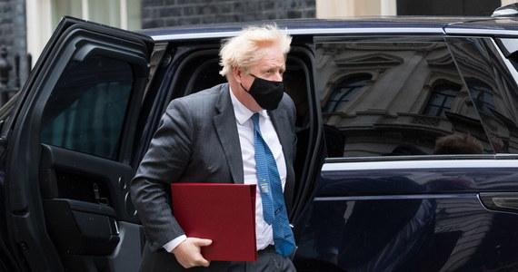 Będzie dochodzenie w sprawie remontu mieszkania brytyjskiego premiera Borisa Johnsona. Wciąż nie wiadomo, kto za odnowę zapłacił. Istnieją podejrzenia, że mogli to zrobić darczyńcy wspierający rządzącą partię Konserwatystów, bez odpowiedniego udokumentowania tych funduszy.