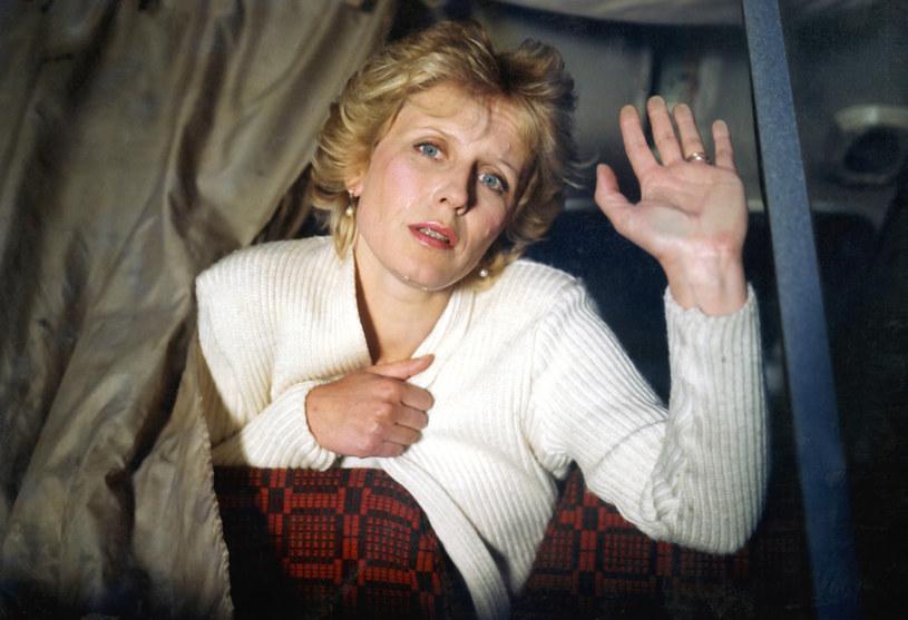 """35 lat temu, 2 maja 1986 roku, na ekrany polskich kin trafił film Radosława Piwowarskiego """"Kochankowie mojej mamy"""". Jedną z najlepszych ról w swojej karierze stworzyła tu Krystyna Janda. """"Ten film robiliśmy w bardzo trudnym momencie, w bardzo trudnych czasach"""" - wspominała aktorka po latach."""