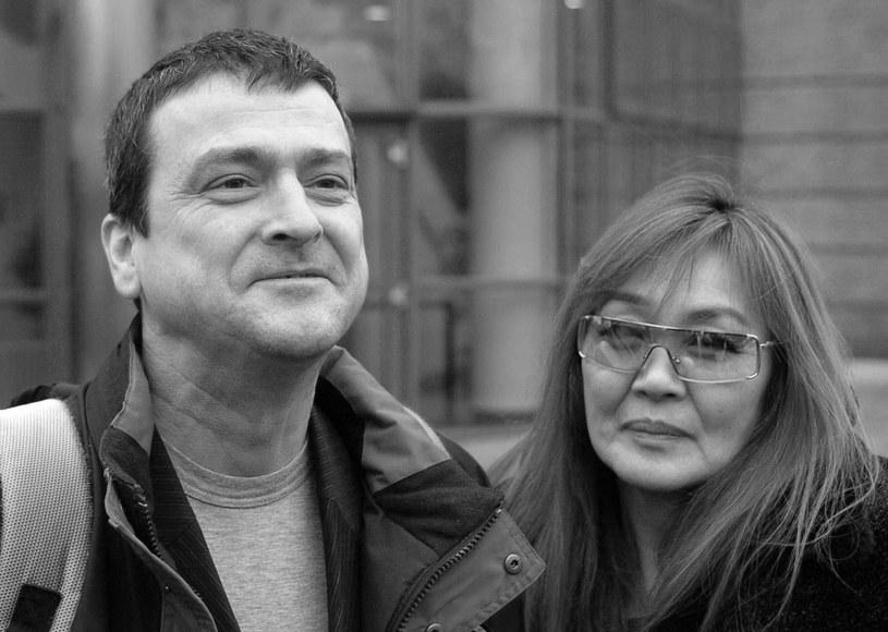 """Żona zmarłego Lesa McKeowna - Peko Keiko - w rozmowie z """"Daily Mail"""" - zabrała głos po śmierci męża."""