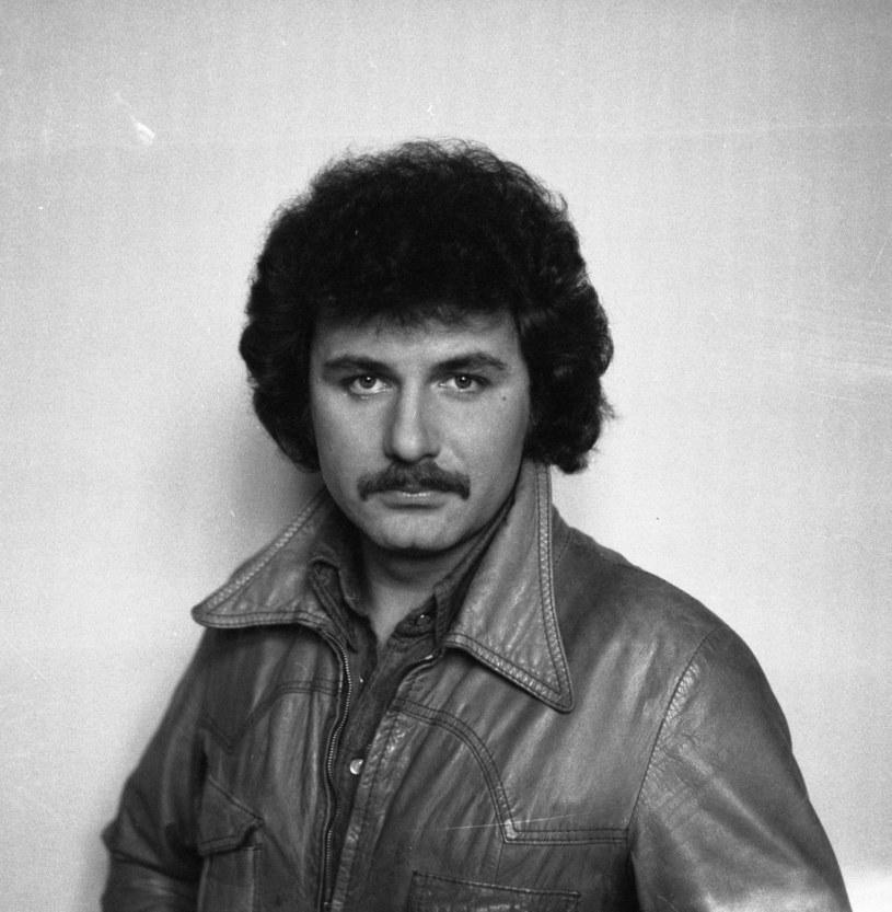 Krzysztof Krawczyk był wokalistą, który bawił pokolenia Polaków. Jednak mało ludzi pamięta, jak wyglądały początki kariery słynnego piosenkarza.