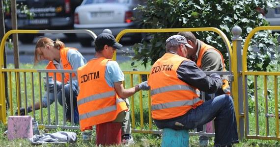 Stopa bezrobocia w Polsce wyniosła 3,1 proc. i jest najniższa w Unii Europejskiej - podał Eurostat. Przeciętna stopa bezrobocia w krajach Wspólnoty wyniosła 7,3 proc.