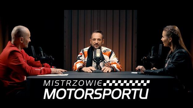 Karolina Pilarczyk i Mariusz Dziurleja prowadzą cykl wywiadów z mistrzami różnych dyscyplin sportów motorowych. W tym odcinku o swojej przygodzie sportowej opowiada Arkadiusz Lindner.