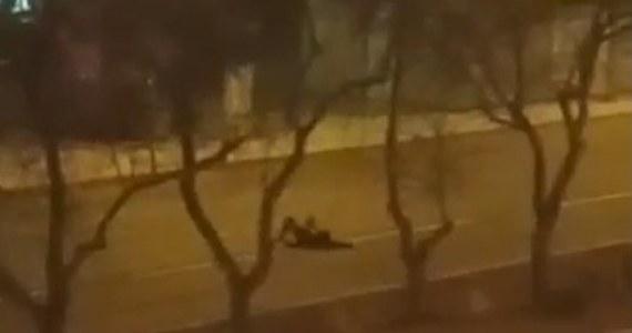 Policjanci z Piły (Wielkopolskie) ustalili personalia siedmiu nieletnich dziewczyn, które odpowiedzą m.in. za stwarzanie zagrożenia w ruchu drogowym. Nastolatki dla zabawy kładły się na jezdni jednej z najbardziej ruchliwych ulic miasta.