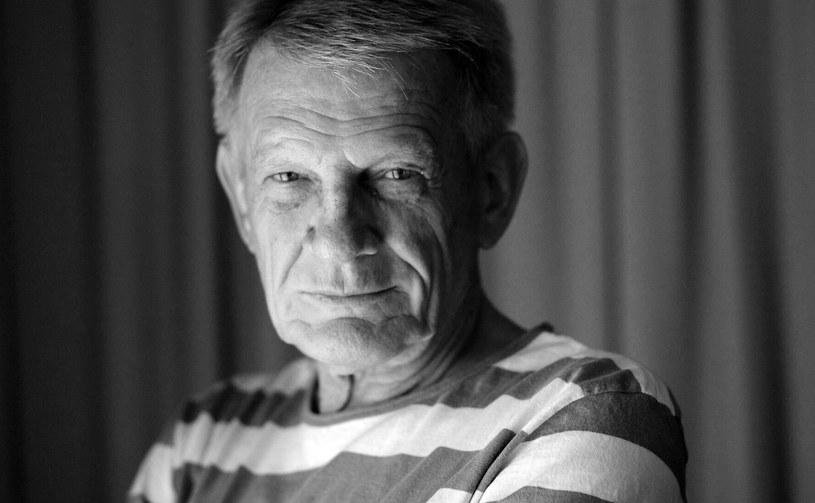 """Nie żyje aktor Bronisław Cieślak. Odtwórca roli porucznika Borewicza w serialu """"07 zgłoś się"""" zmarł po długiej chorobie w wieku 77 lat - poinformował portal TVN24. Informację o śmierci aktora potwierdziła PAP jego żona Anna."""