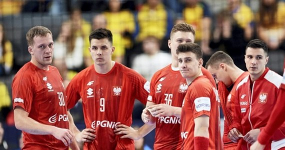 Polska – mimo niedzielnej porażki z Holandią - awansowała do mistrzostw Europy 2022 piłkarzy ręcznych. Nasi szczypiorniści przegrali w Almere z Holandią 30:32 (16:17) w meczu grupy 5. eliminacji.