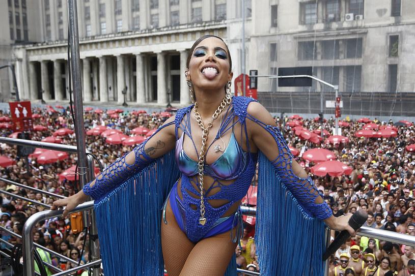 """Światowa popowa supergwiazda Anitta wydała nowy singel """"Girl from Rio""""."""