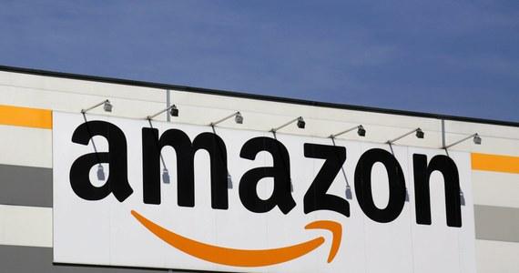"""Europejska część Amazona wykazuje straty, więc nie ma mowy o płaceniu podatku. Brytyjski dziennik """"The Guardian"""" publikuje raport finansowy z Luksemburga, gdzie Amazon ma europejską siedzibę. Z finansowych zestawień raportowanych przez obecną również w Polsce firmę wynika, że internetowy gigant zapłacił w zero podatku za zeszły rok."""