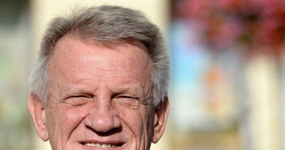 """Posłowie uczcili minutą ciszy zmarłego w weekend Bronisława Cieślaka - aktora i posła Sojuszu Lewicy Demokratycznej. """"Jesteśmy głęboko wstrząśnięci, ale i przekonani, że wielka postać Bronka pozostanie w pamięci"""" - mówił szef klubu Lewicy Krzysztof Gawkowski."""
