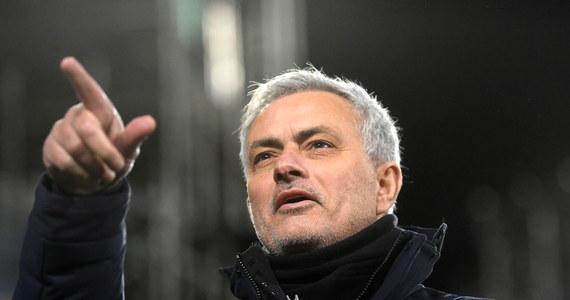 Jose Mourinho podpisał kontrakt z klubem AS Roma i poprowadzi zespół od sezonu 2021/2022 - poinformował włoski klub. Z końcem obecnych rozgrywek z tą drużyną pożegna się jego rodak – Paulo Fonseca.