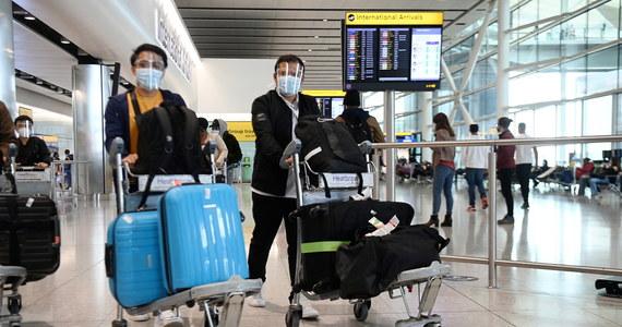 Zaświadczenie o szczepieniu przeciw Covid-19 dostępne jest w Internetowym Koncie Pacjenta po polsku i po angielsku – powiedział rzecznik Ministerstwa Zdrowia Wojciech Andrusiewicz. To ważna informacja dla tych, którzy planują wyjazd za granicę.
