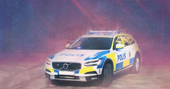 Do trzech eksplozji materiałów wybuchowych w ciągu pół godziny doszło w nocy w Malmoe na południu Szwecji. Ewakuowano okolicznych mieszkańców, jedna osoba została lekko ranna.