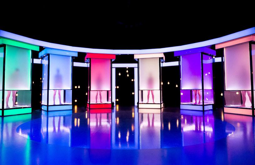 """14 maja na antenie Zoom TV miała zadebiutować polska wersja programu """"Magia nagości"""". W czwartek dowiedzieliśmy się jednak, że premiera kontrowersyjnego show została przełożona. Na razie nie wiadomo, kiedy program pojawi się na antenie."""