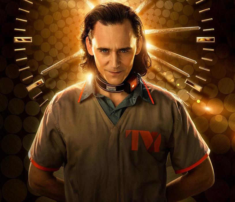 """W czasie pandemii COVID-19 kolejne informacje o przełożonych premierach filmów i seriali stały się już codziennością. Następną taką wiadomość ogłosił sam Tom Hiddleston, który w filmach Marvela wciela się w postać Lokiego i powtórzy tę rolę w serialu """"Loki"""". Fani komiksowego uniwersum Marvela nie mają jednak powodów do zmartwień. Zamiast 11 czerwca, pierwszy odcinek serialu na platformie Disney+ pojawi się dwa dni wcześniej, bo 9 czerwca."""