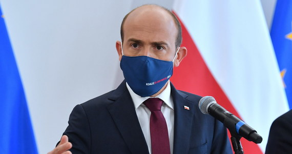 Będę chciał zbudować koalicję z PSL i Polską 2050 Szymona Hołowni - powiedział w Polsat News lider PO Borys Budka. Zapowiedział, że po zakończeniu ograniczeń związanych z pandemią rusza w Polskę, by odwracać niekorzystną tendencję widoczną w sondażach.