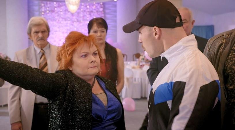 """Co się wydarzy w najbliższym odcinku drugiego sezonu serialu """"Wesela z piekła rodem"""" w Polo TV?"""