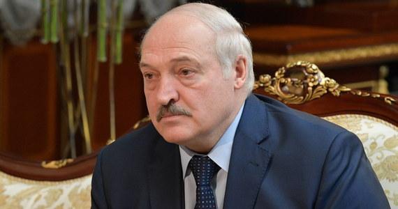 """Prezydent Białorusi Alaksandr Łukaszenka podpisał w niedzielę dekret """"o ochronie suwerenności i ustroju konstytucyjnego"""", który przewiduje, że w przypadku śmierci głowy państwa władza w kraju przejdzie w ręce Rady Bezpieczeństwa. Dokument już obowiązuje."""